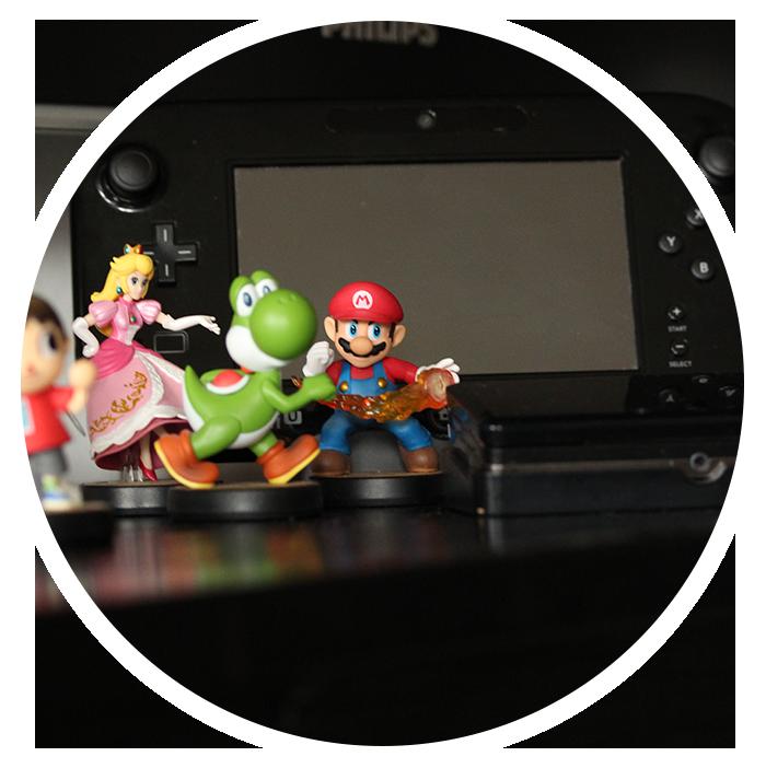 Billede af min Wii U og samling af Amiiboer
